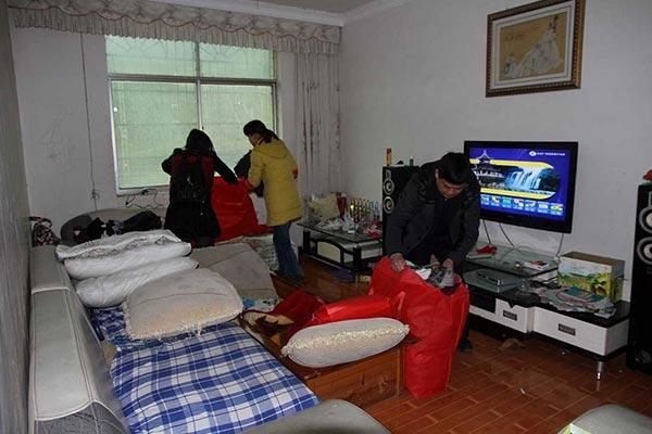 北京昌平搬家公司/新搬到昌平新家里怎么去除家具的味道?